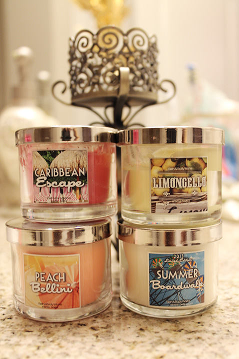 Bath & Body Works mini candles & candle holder