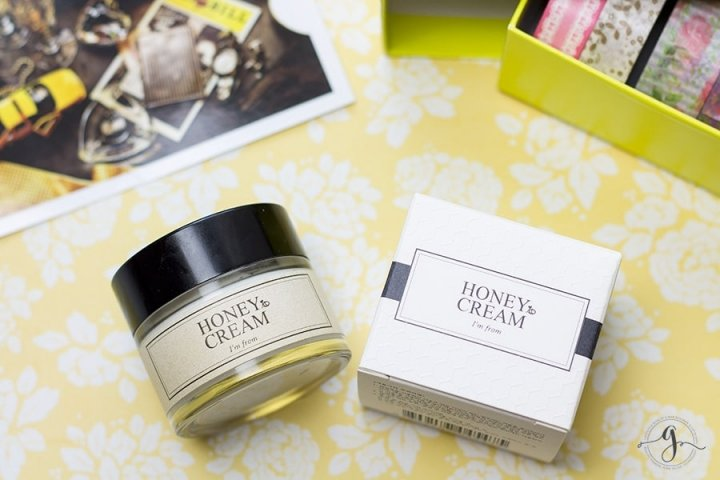 Korean skincare - I'm From Honey Cream review // Geeky Posh