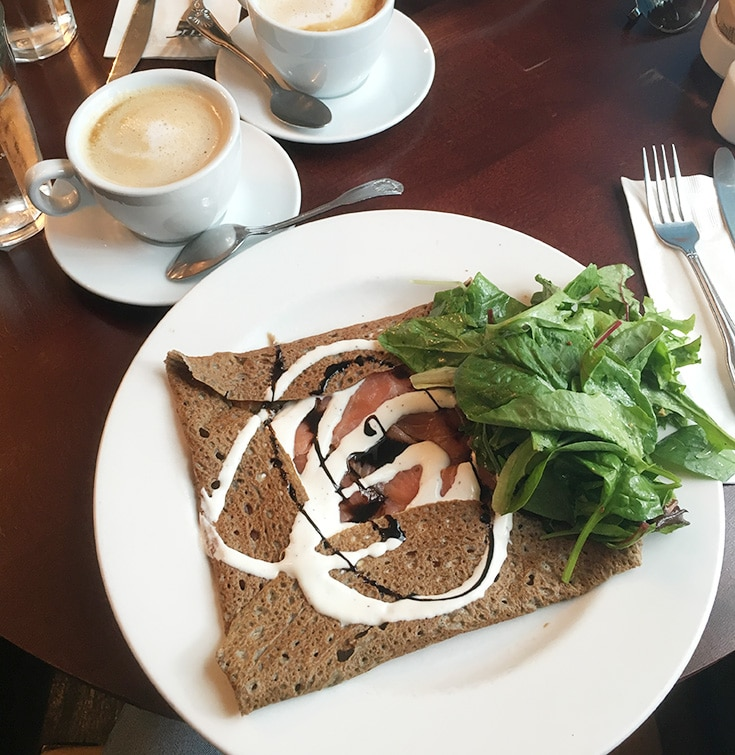 Mixing old & modern in Old Town Alexandria // Fontaine Caffe and Creperie