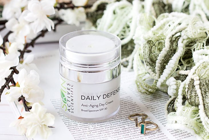Physical sunscreens, yay or nay? The Skin Actives Daily Defense Anti-Aging Day Cream SPF30 review